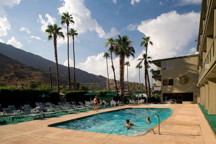 rodeway inn palm springs zwembad.jpg