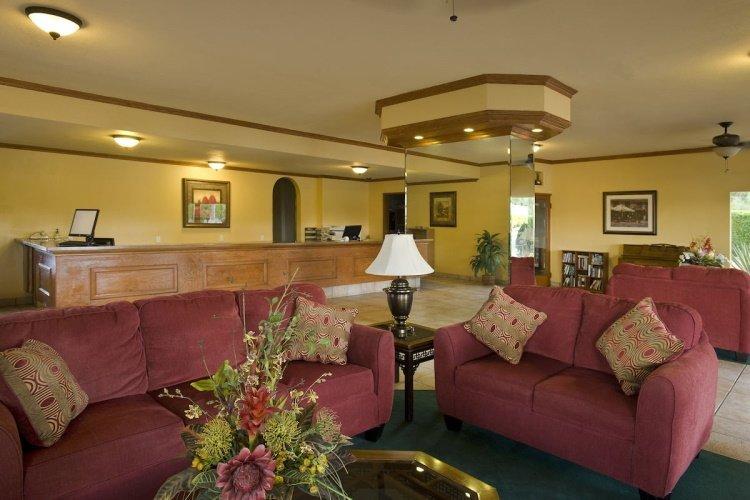 rodeway inn palm springs lounge.jpg