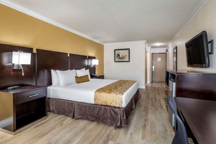 best western plus south bay kamer 1 bed.jpg