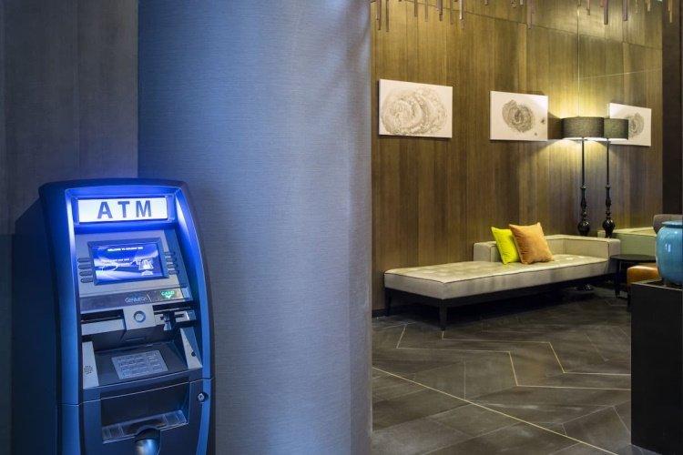 holiday inn manhattan financial district atm.jpg