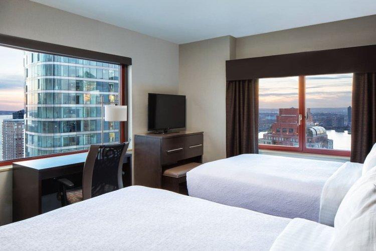 holiday inn manhattan financial district kamer 2 bedden.jpg