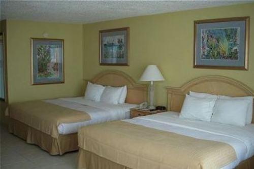 Holiday Inn Ft. Myers Beach 003