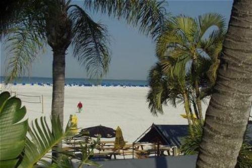 Holiday Inn Ft. Myers Beach 007