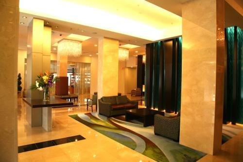 Century Plaza Hotel 002