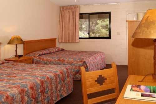 Yavapai Lodge West 003