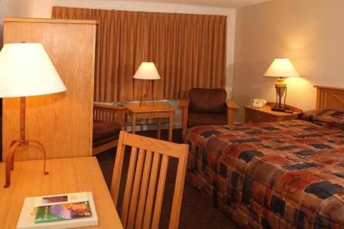 Yavapai Lodge West 004