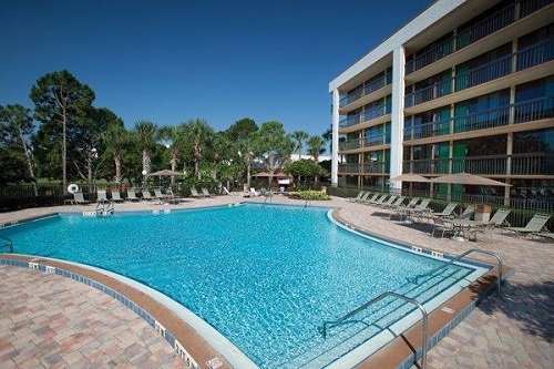 Clarion Inn Lake Buena Vista pool