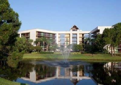 Clarion Inn Lake Buena Vista building