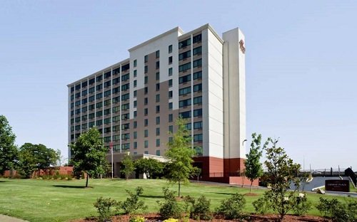 Crowne Plaza Hotel Memphis Downtown building