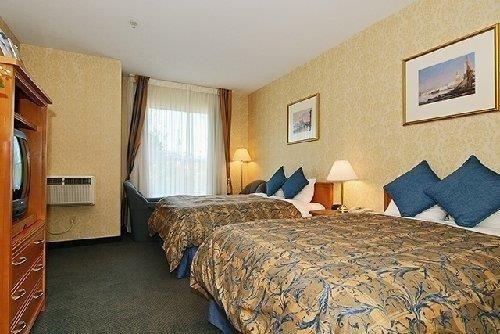 Best Western Plus Uptown Vancouver room