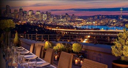 Deca Hotel dinner outside