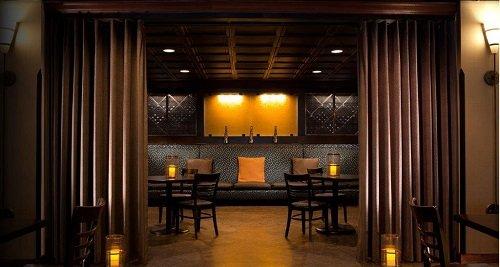 Deca Hotel bar