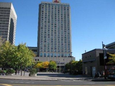 Hotel Gouverneur Place Dupuis building