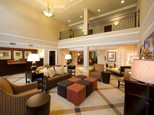Holiday Inn Express Hotel Suites Atlanta Downtown lounge