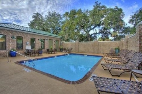Best Western Plus Savannah Historic District pool