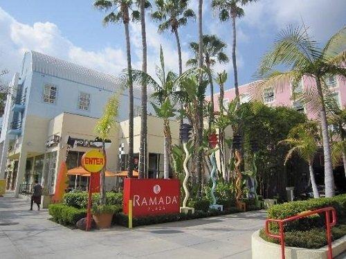 Ramada Plaza Hotel West Hollywood