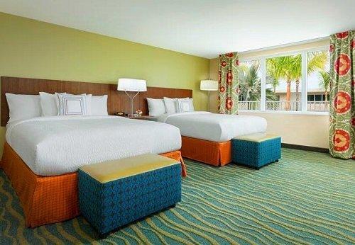 Fairfield Inn & Suites room
