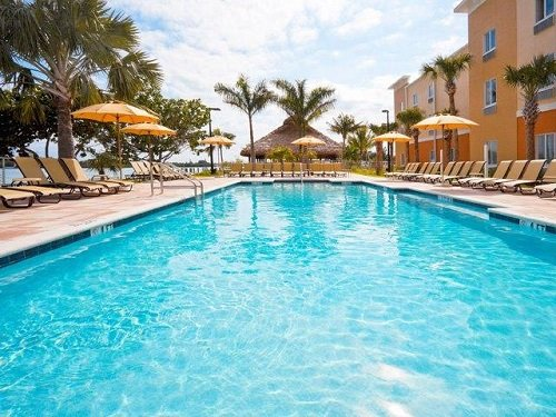 Holiday Inn Express Marathon pool