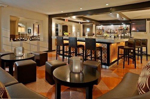 essex hotel bar