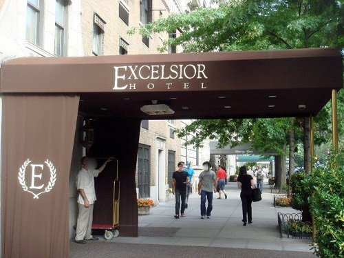 Excelsior Hotel outside
