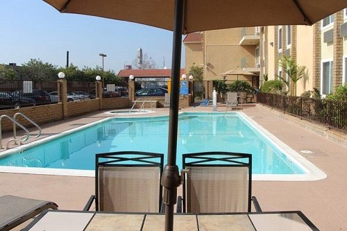 Best Western PLUS South Bay pool