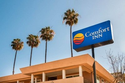 Comfort Inn San Diego at the Harbor outside