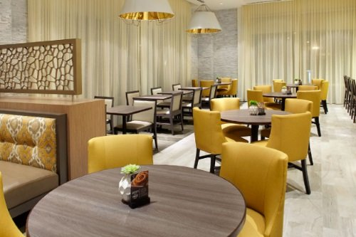 Hyatt Place Miami Airport East restaurant