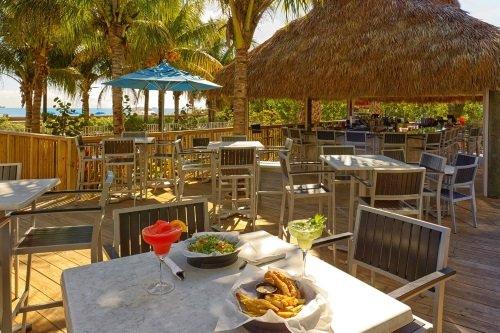 Courtyard Cadillac Miami Beach Oceanfront buitenrestaurant