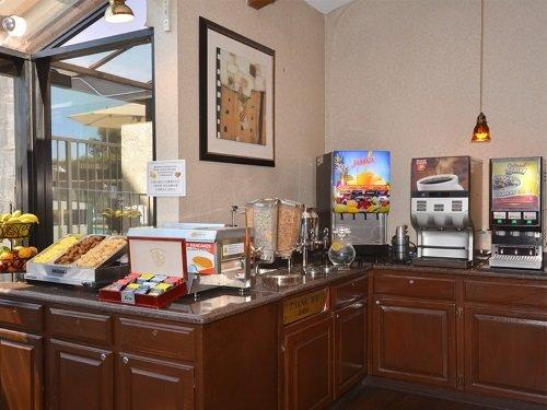 Best Western PLUS Executive Inn ontbijt