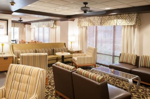 Hampton Inn Pensacola lounge
