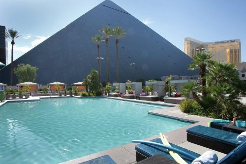 Luxor Las Vegas zwembad