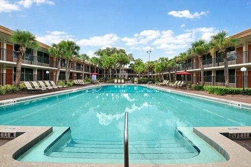 Ramada Gateway Hotel Kissimmee zwembad