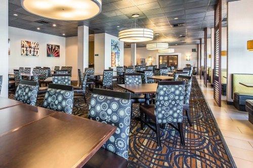 Clarion Hotel Anaheim Resort restaurant