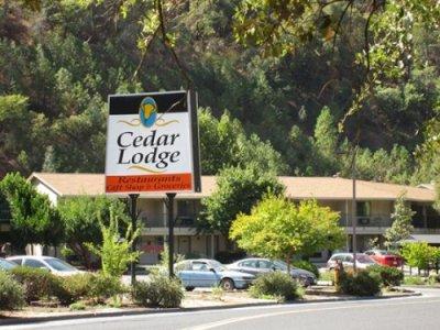 Cedar Lodge buitenkant