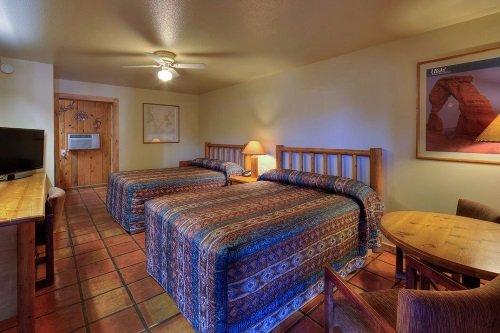 Big Horn Lodge room