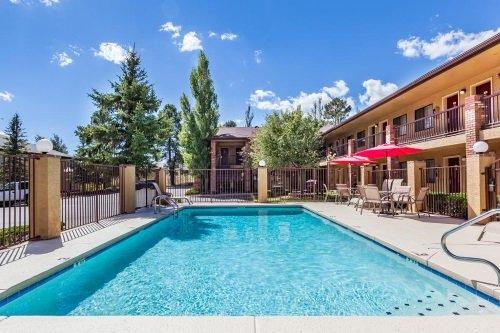GreenTree Inn Flagstaff zwembad