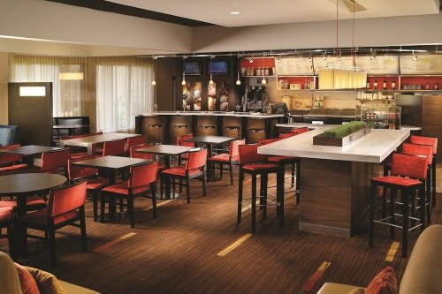Courtyard by Marriott Tallahassee restaurant met bar