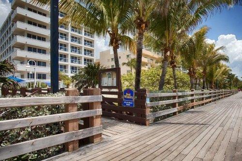 Best Western Atlantic Beach Resortbuitenkant 2