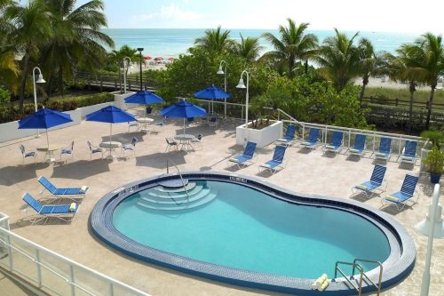 Best Western Atlantic Beach Resort zwembad