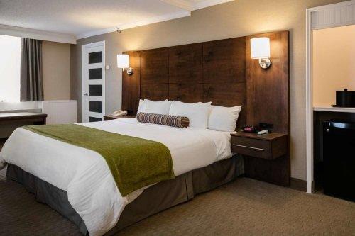 Best Western Ville-Marie Hotel and Suites kamer met queen bed