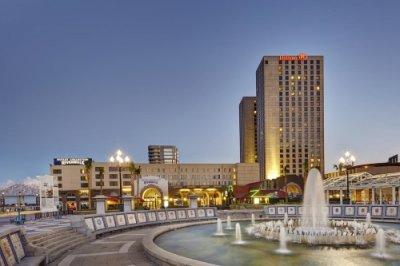 Hilton New Orleans Riverside buitenkant