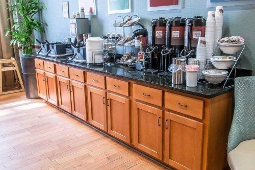 Comfort Suites Historic District ontbijt