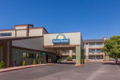 Days Hotel Flagstaff buitenkant