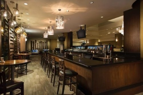 Crowne Plaza Los Angeles Harbor Hotel bar