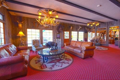 Virginian Lodge lounge