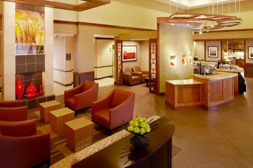 Hyatt Place Colorado Springs lounge