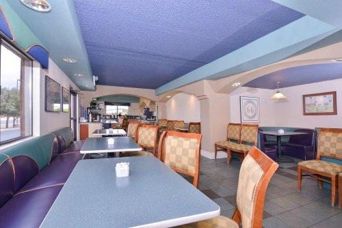 Best Western Plus King Inn and Suites ontbijtruimte