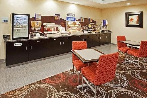 Holiday Inn Express Suites Chowchilla Yosemite Park Area ontbijt