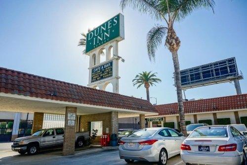 Dunes Inn Sunset parkeerplaats