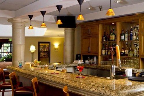 Safari Inn Hotel bar